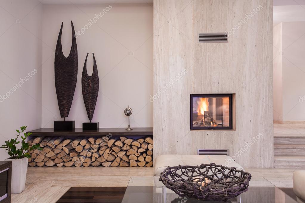 Cheminée moderne avec du bois — Photographie photographee.eu © #86850492
