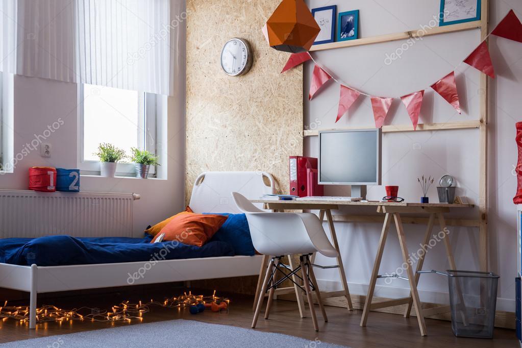 Moderne slaapkamer voor tiener jongen u stockfoto photographee