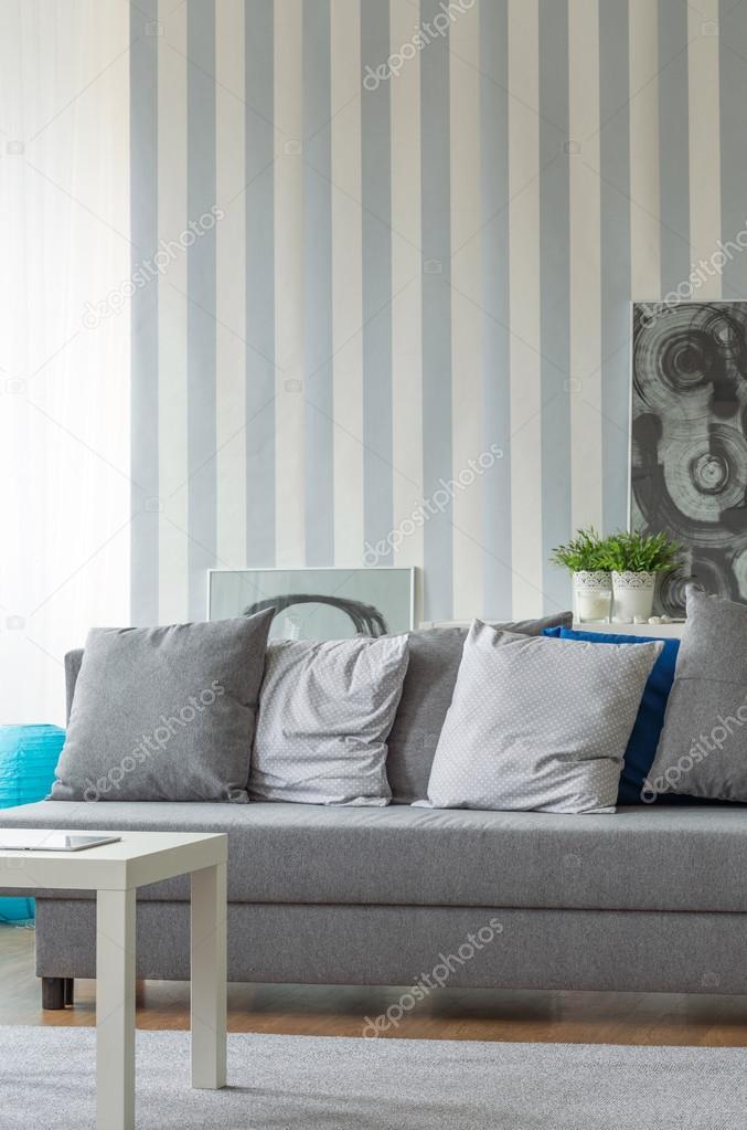 Graue Sofa Mit Kissen Stockfoto C Photographee Eu 88228186