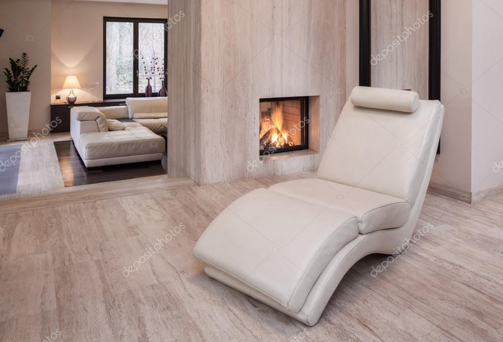 Nieuwe ontwerp witte lederen fauteuil u stockfoto photographee