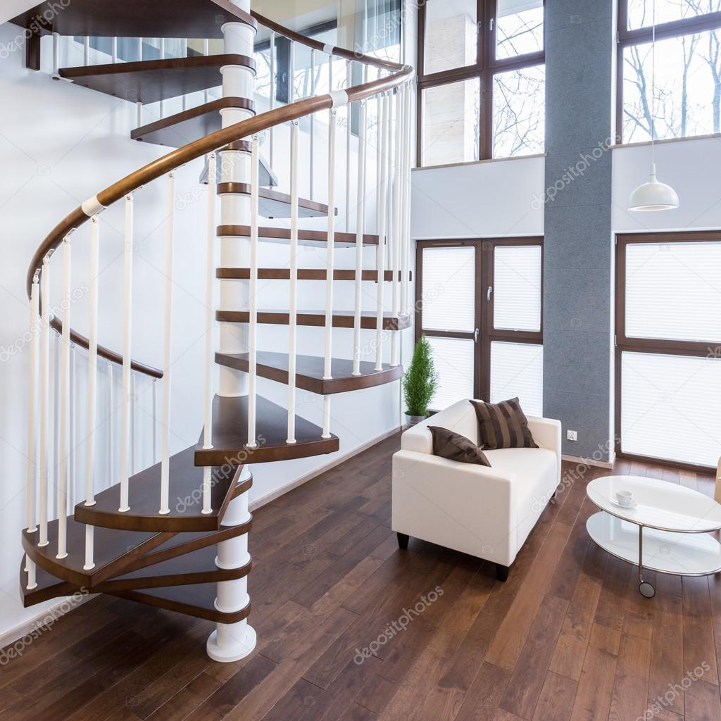 Escaleras de caracol en la mansión — Foto de stock © photographee.eu ...