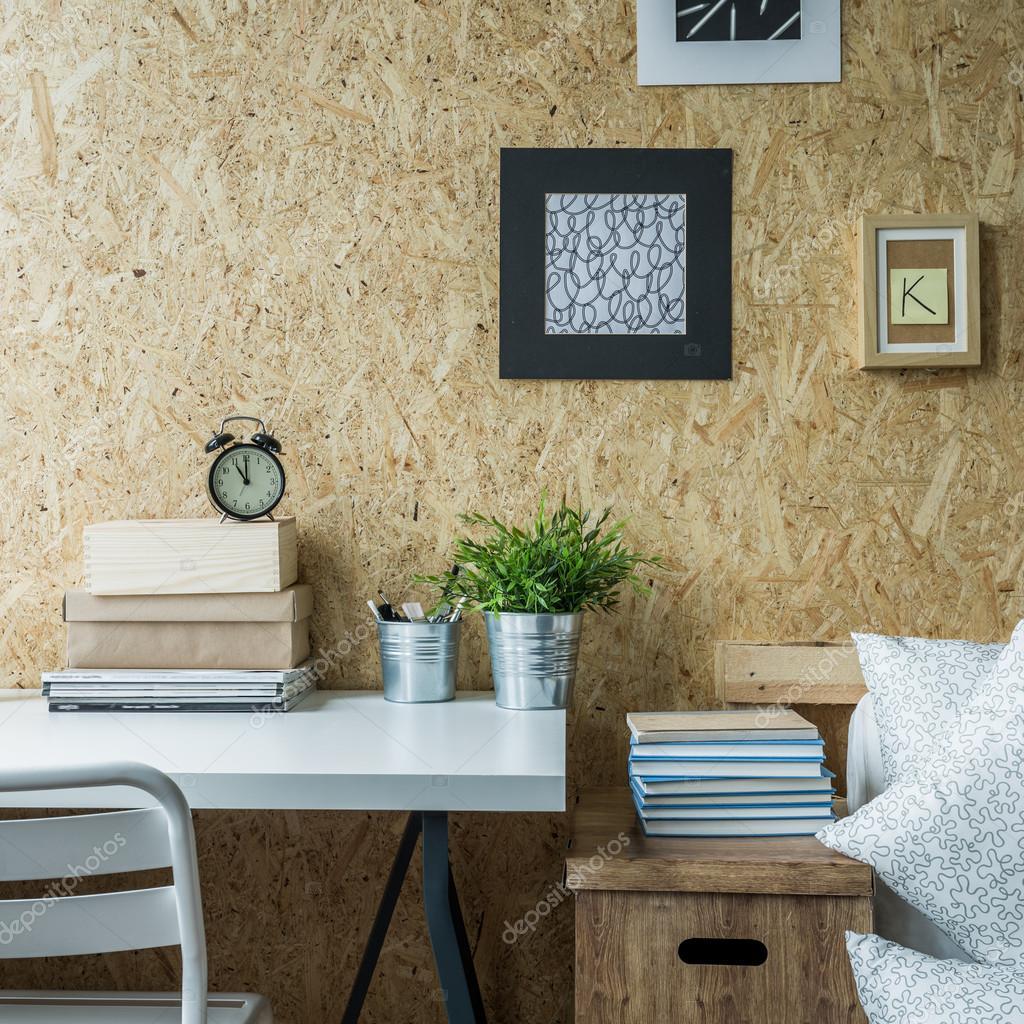 Holzwand in gestaltetes Zimmer — Stockfoto © photographee.eu #95730268