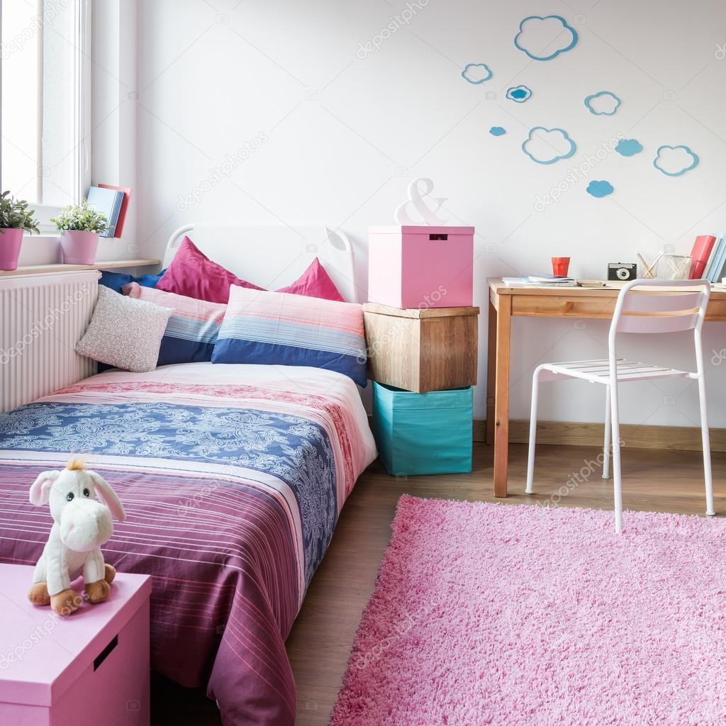 Jolie chambre pour petite fille — Photographie photographee.eu ...