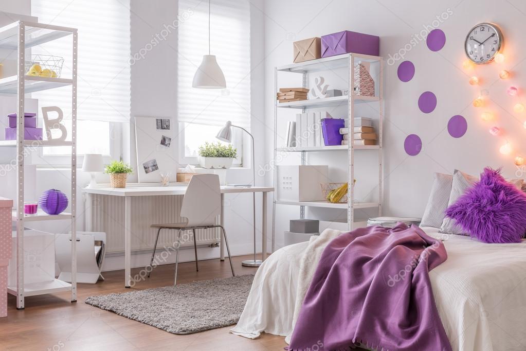 Modern interieur met paarse kleur u2014 stockfoto © photographee.eu