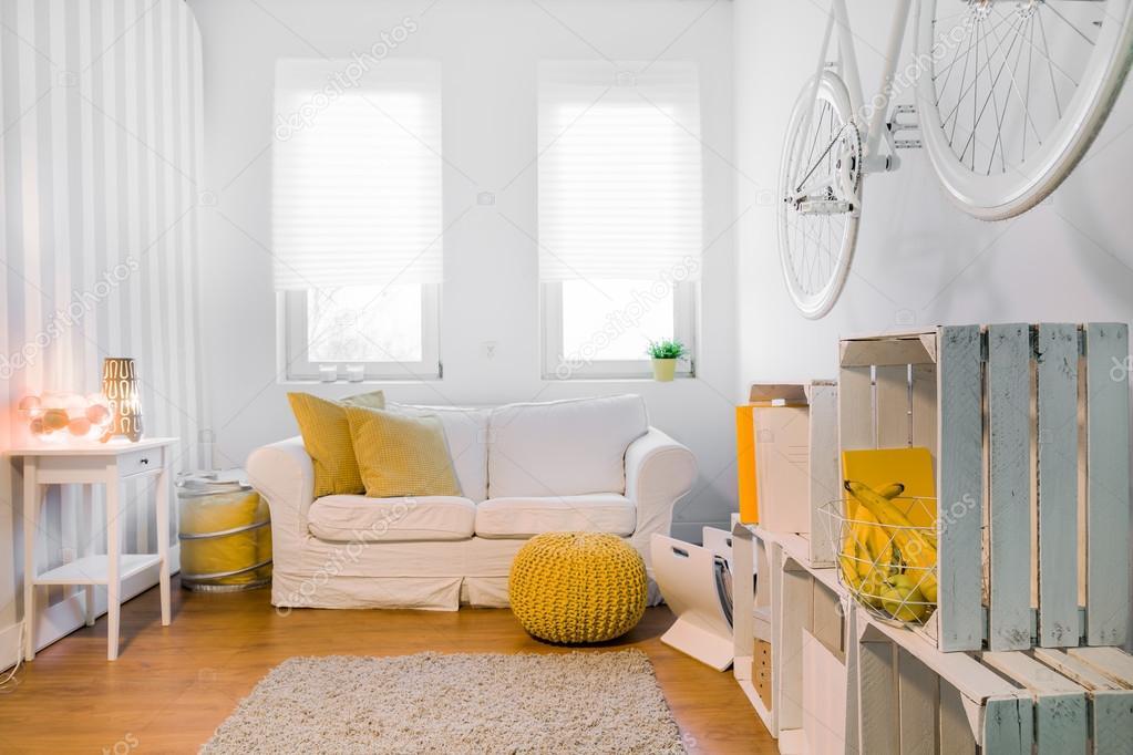Creatieve Interieur Inrichting : Lichte kamer met creatieve inrichting u stockfoto photographee