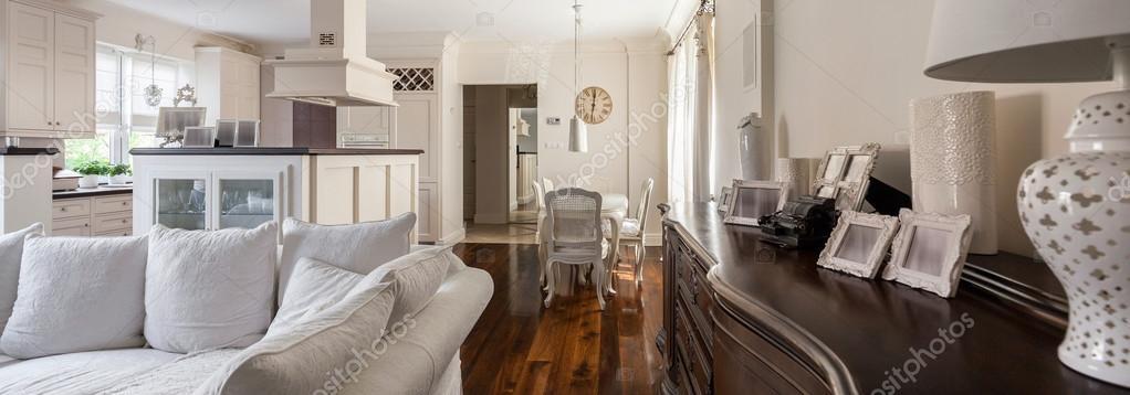 https://st2.depositphotos.com/2249091/9910/i/950/depositphotos_99100610-stock-photo-living-room-with-light-kitchenette.jpg