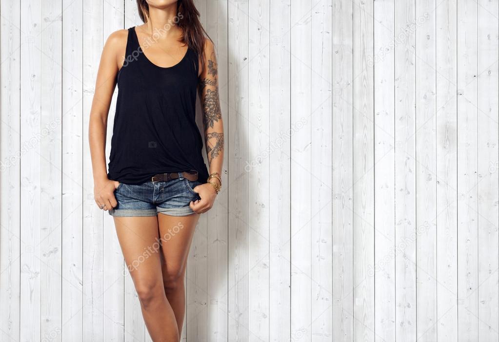 Woman wearing black  t-shirt