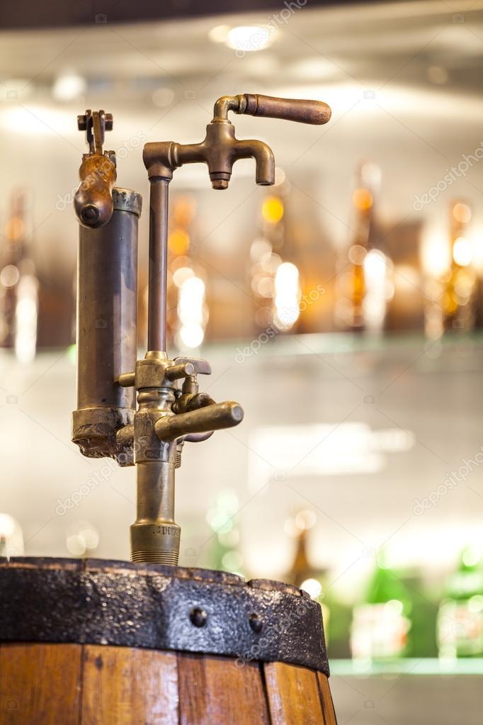 Vintage Robinet Pour Tonneau Plein D Alcool Photographie Eunikas