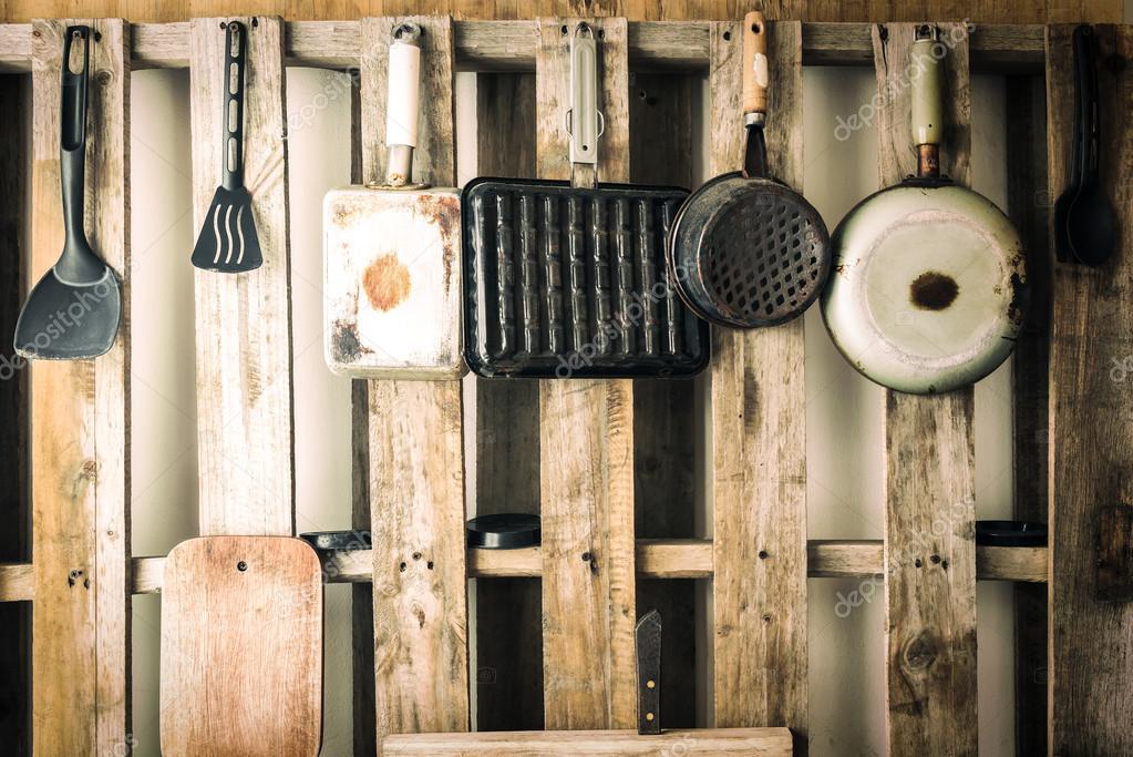Vecchi utensili da cucina di vario genere. Colore vintage filtrata ...