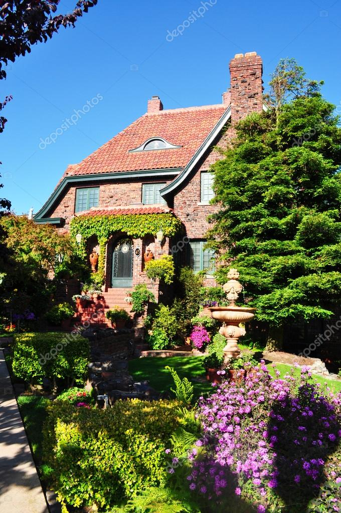 San Francisco, California, Usa: A House With Garden And Flowers In Buena  Vista
