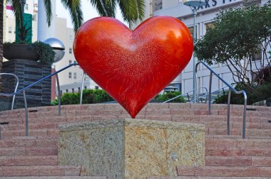 Union Square, San Francisco, California, Usa: the sculpture America's Greatest City By The Bay made for Hearts in San Francisco, a public art installation for fundraising since 2004 inspired by Tony Bennett song I Left My Heart in San Francisco