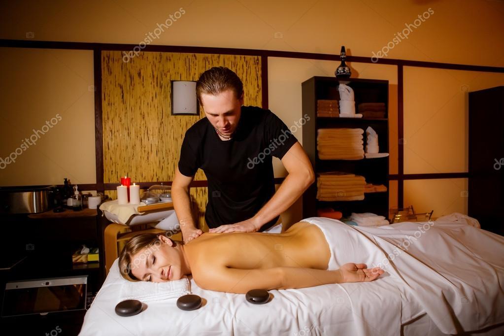 Смотреть онлайн массажист сделал свое дело