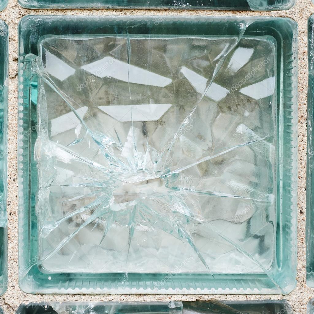 brique de verre bris photographie exopixel 54398997. Black Bedroom Furniture Sets. Home Design Ideas