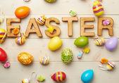 Ostern hölzerne Buchstabenkomposition