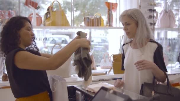 Friendly shop pokladní skládací oblečení a balení papírové tašky