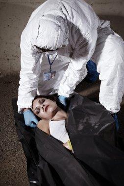 Dead by drugs - woman in body bag