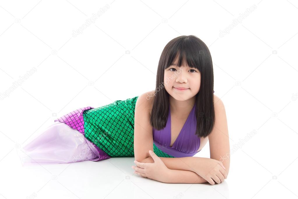 Asiatisk tjej i fantasi sjöjungfru dräkt — Stockfotografi ... 994a46bb88ceb