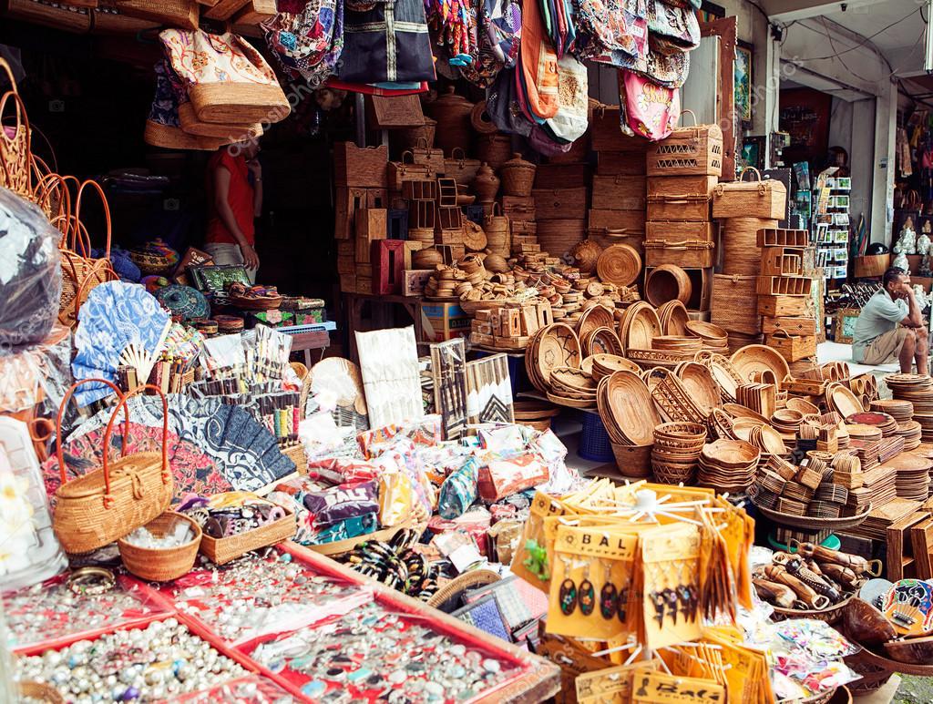 Ubud Bali March 8 Typical Souvenir Shop Selling Souvenirs And