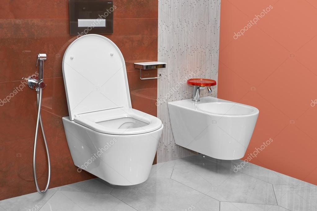 Sanita e bid em uma moderna casa de banho fotografias for Bidet para wc