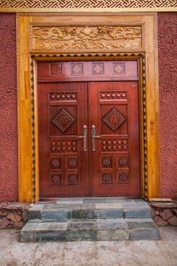 Lijiang, Yunnan Shuhe Shek Lin monks who live hospital door