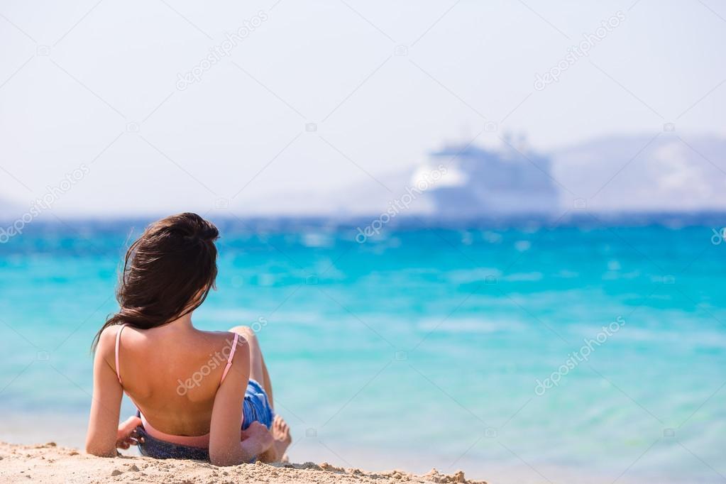 Наслаждается Телочкой На Пляже