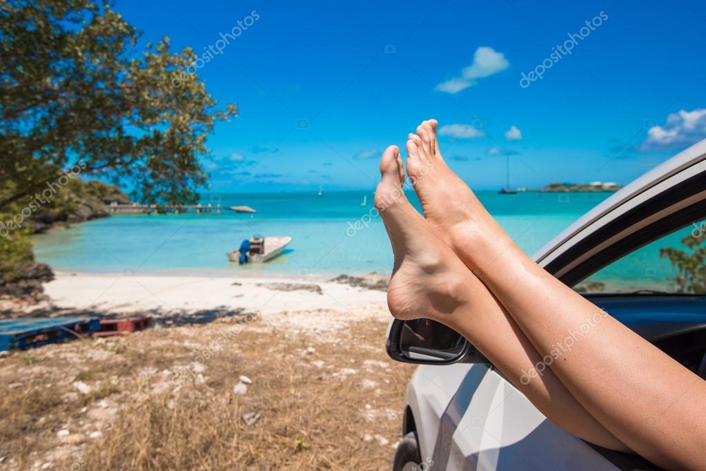 Ноги девушек на пляже порно женщин