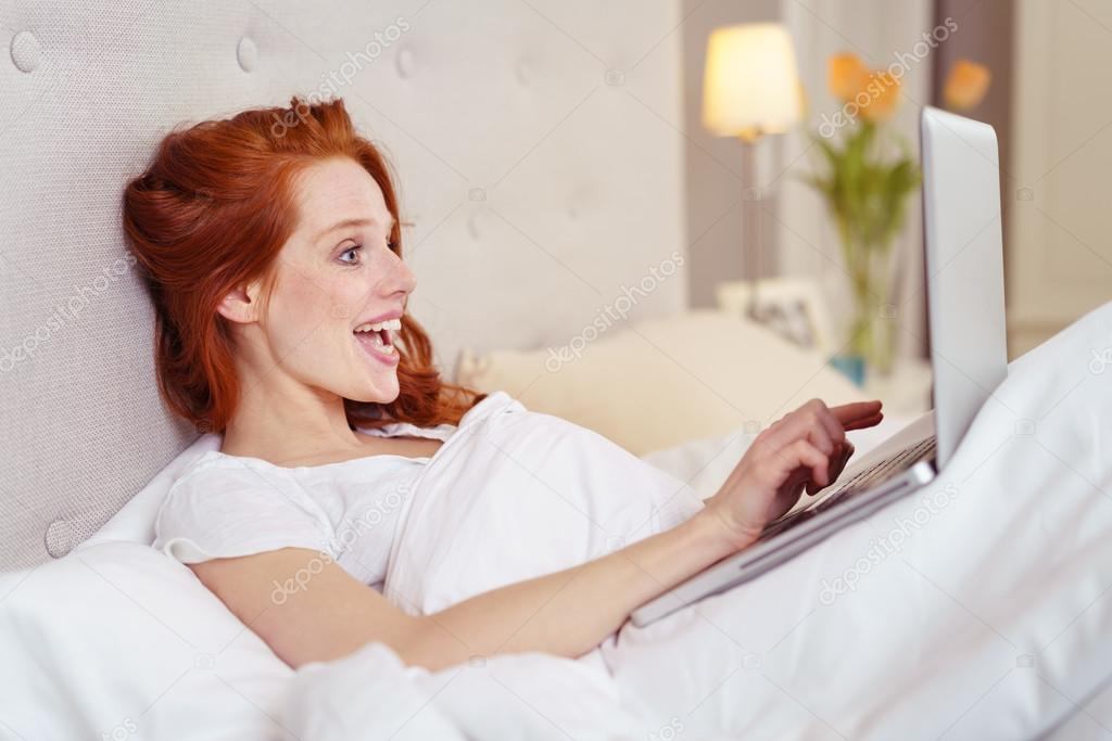 Redhead in the bed good idea