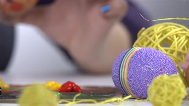 Táblázat a húsvéti tojás festés