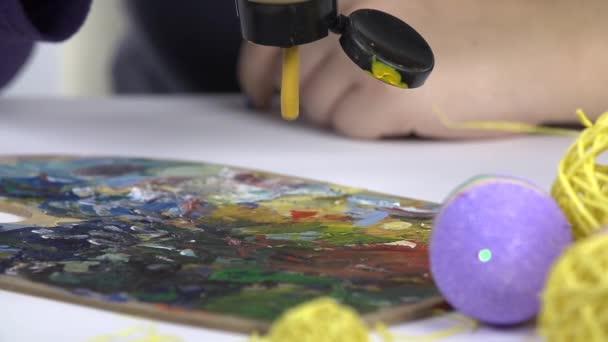 Příprava barvy pro malování