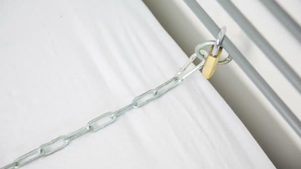 Kožený obojek na Železný řetěz