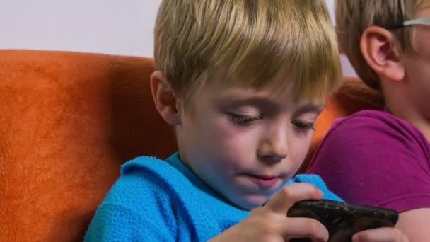 Děti rádi hrají hry
