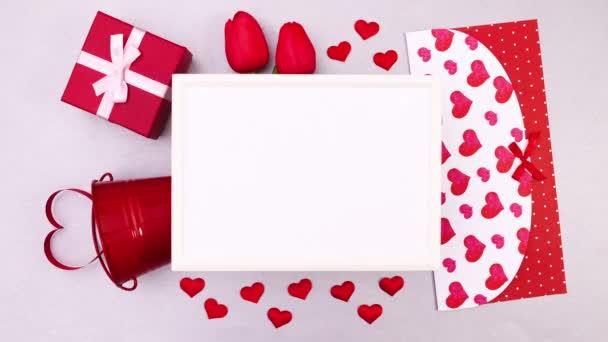 Valentýnské doplňky posunout o jeden kolem rámu. Zastavit pohyb