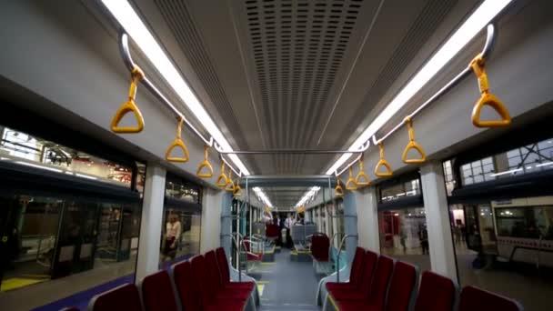 Prázdné město tramvají