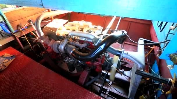 Motore di barca di lavoro