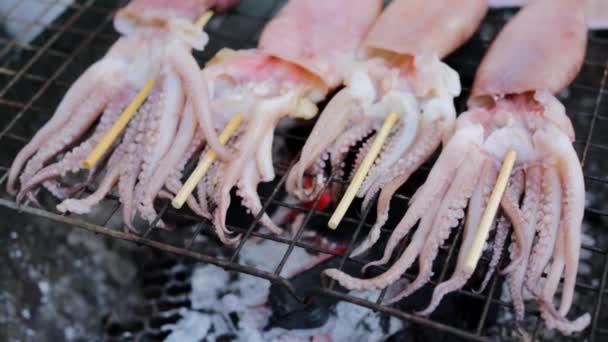 Příprava chobotnice na nedělní trh
