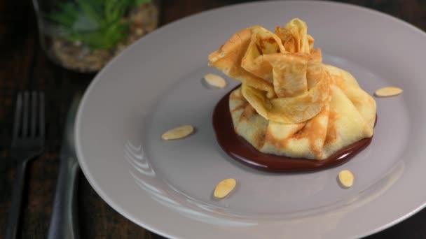 Crepe und Schokolade Birne Almosen Rezept
