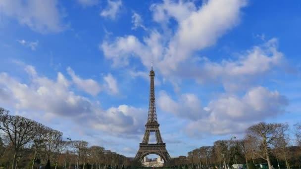 Eiffelova věž Paříž-Francie-time-lapse