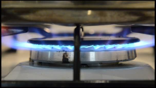 GAZ rozsah v kuchyni