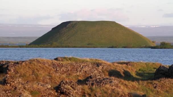 Island moře a hory