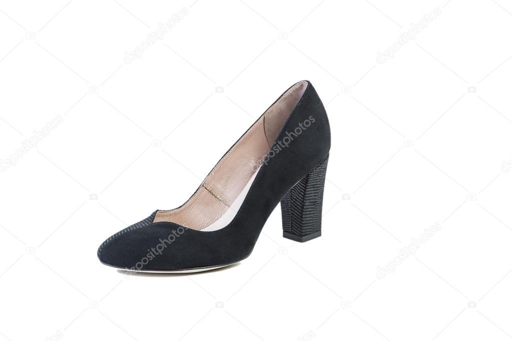 ebe604d20a Zapatos negros sobre un fondo blanco, elegante calzado, venta online —  Fotos de Stock