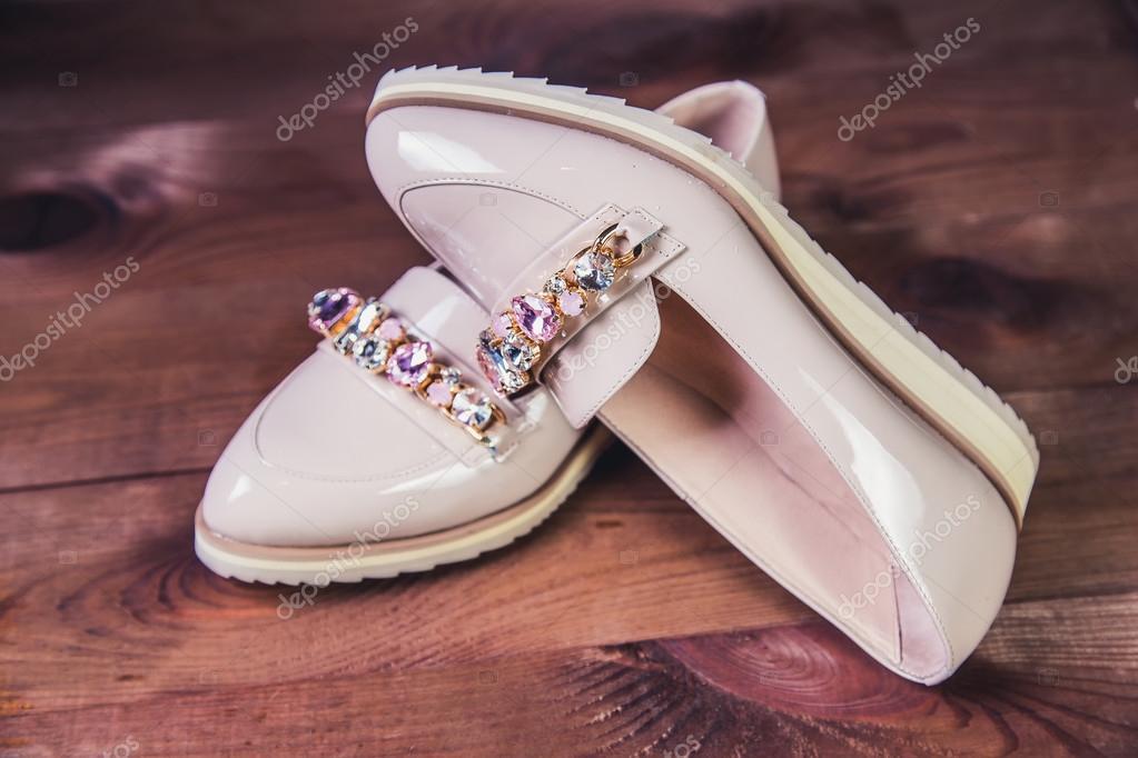 20aed4bcce16 Бежевый Женская обувь с стразами итальянская обувь мода — Фото автора  SergANTstar