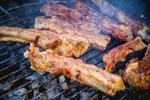 Maso, grilování menu, vepřová žebírka