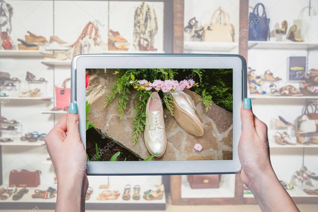 1a03538ff4a Αγοράστε Γυναικεία παπούτσια online, παραγγελία μέσω του Διαδικτύου ένα —  Εικόνα από SergANTstar