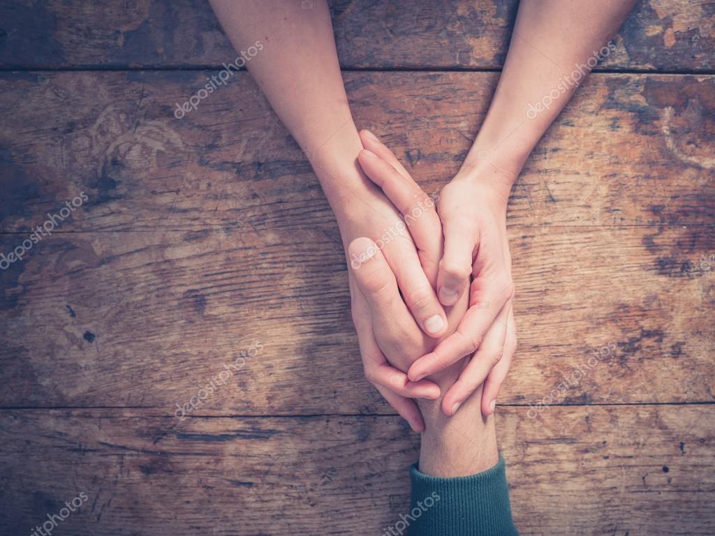 руки в заднике две