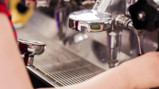 Příprava kávy espresso