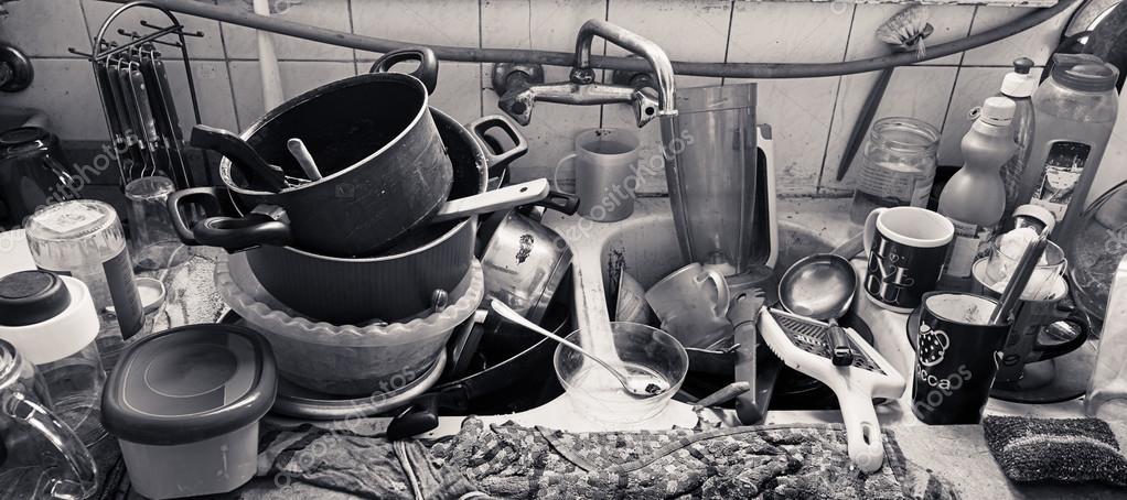 Cocina sucia sucia — Foto de stock © KhaledElAdawy #103722844