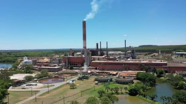 Kouřový výhled z komínového průmyslu. Městská životní scéna. Tovární scéna. Kouřový výhled z komínového průmyslu. Tovární scéna. Městská životní scéna. Kouřový výhled z komínového průmyslu. Městská životní scéna. Tovární scéna.