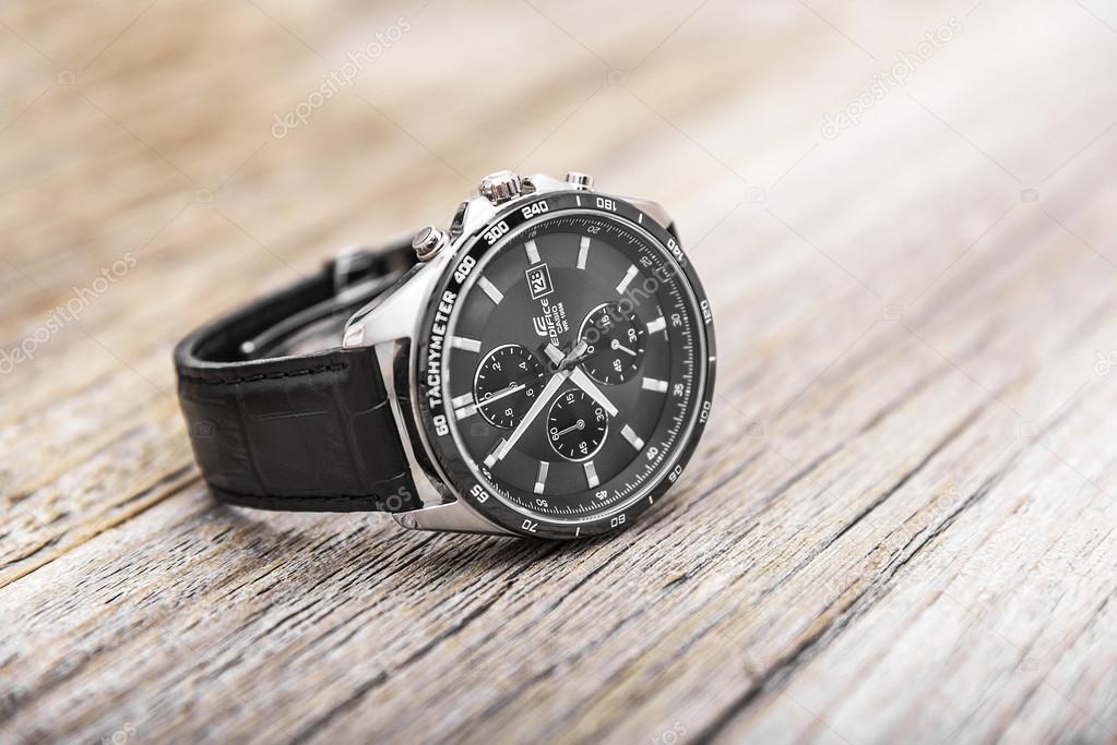 Moderní pánské hodinky - Stock Editorial Foto © believeinme   114912666 a5c71b7809f