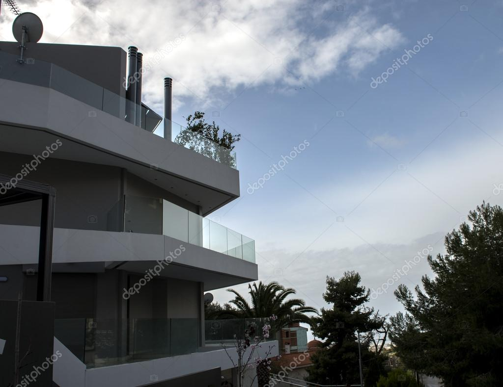 Modern huis gevel u2014 stockfoto © radodn #68769251