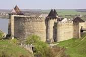 Il castello medievale con un sacco di torri e Merli è in th